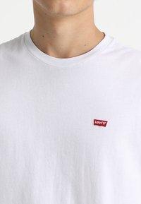Levi's® - ORIGINAL TEE - T-shirt - bas - white - 4