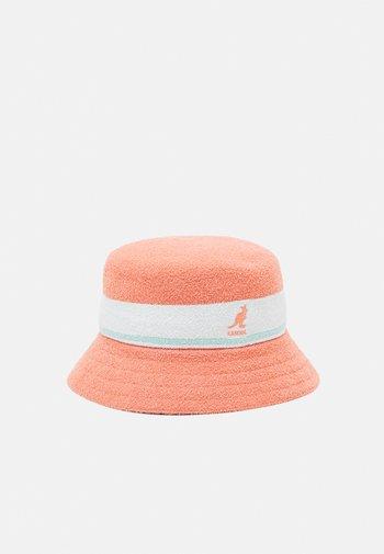 BERMUDA STRIPE BUCKET UNISEX - Hat - peach pink