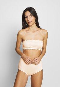Monki - PAULINE AND GETRUDE BIKINI SET - Bikini - white light - 4