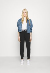 Hollister Co. - LOGO  - Teplákové kalhoty - black - 1