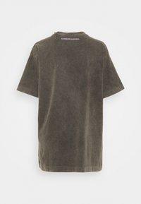 DAMSON MADDER - GO SLOW TEE - T-shirts med print - washed black - 1