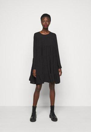VMZIGGA SHORT O NECK - Denní šaty - black