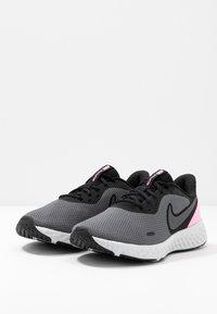 Nike Performance - WMNS REVOLUTION 5 - Neutral running shoes - black/psychic pink/dark grey - 2