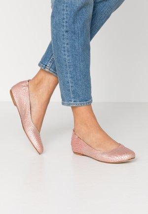 CHARRUA - Ballet pumps - teos coral