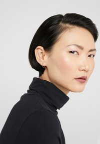 Maria Black - LAKE TWIRL RIGHT - Earrings - gold-coloured - 1