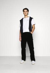Carhartt WIP - SINGLE KNEE PANT COVENTRY - Trousers - black rinsed - 1