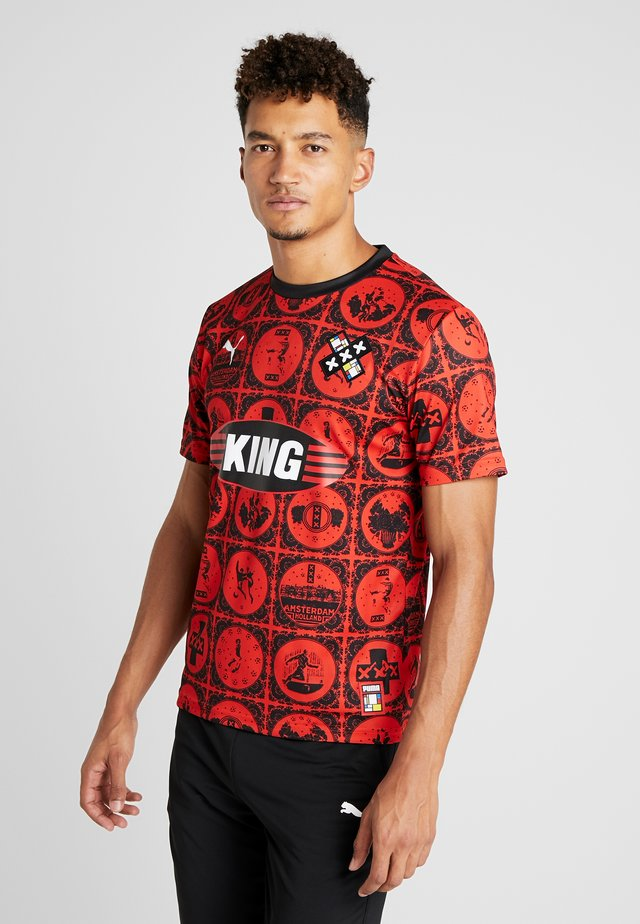 AMSTERDAM - T-shirt z nadrukiem - red/black