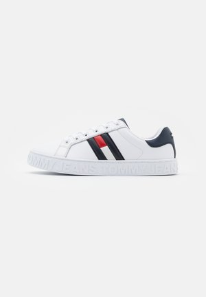 Trainers - red/white/blue