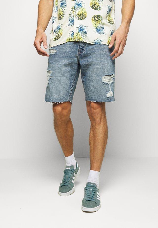 DARK DESTROY - Denim shorts - tinted medium