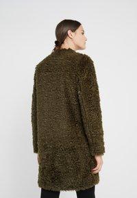 Steffen Schraut - VINTAGE FASHION COAT - Short coat - urban green - 2