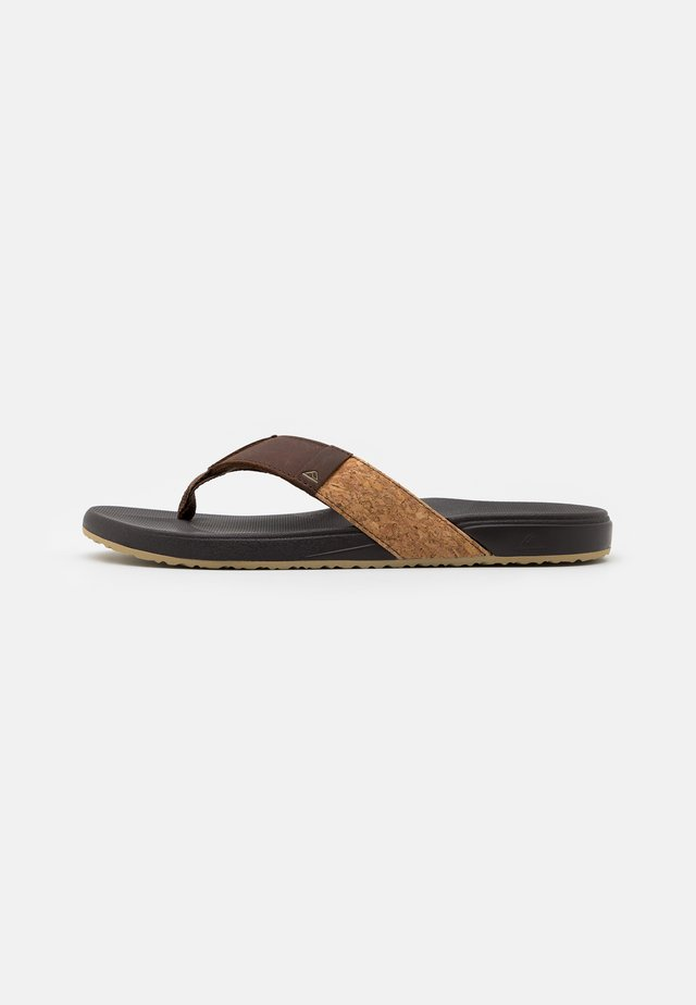CUSHION BOUNCE PHANTOM - Flip Flops - brown