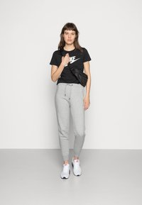 Nike Sportswear - TEE ICON FUTURA - T-shirt print - black/(white) - 1