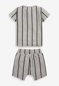 Next - SET - Shorts - grey - 2