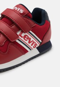 Levi's® - NEW SPRINGFIELD - Trainers - red/navy - 5