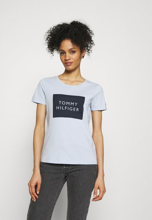 REGULAR BOX TEE - T-shirt con stampa - breezy blue