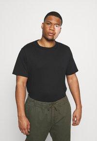 Pier One - 5 PACK - Basic T-shirt - black - 1