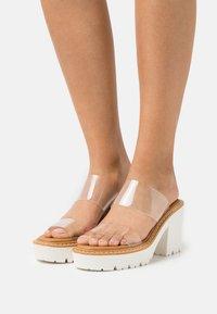 Madden Girl - BRANDI - Pantofle na podpatku - clear - 0