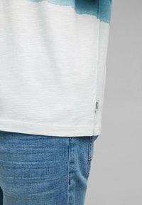 Esprit - FASHION SLUB - Print T-shirt - petrol blue - 10