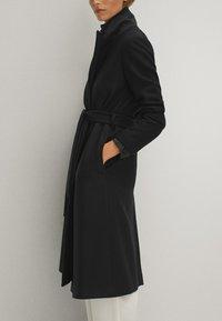 Massimo Dutti - Płaszcz wełniany /Płaszcz klasyczny - black - 3