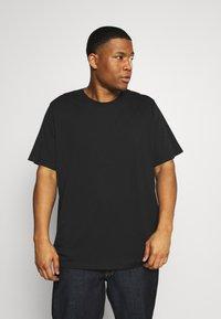 Pier One - 3 PACK - Basic T-shirt - khak/ grey /black - 1