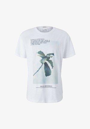 MIT BIO-BAUMWOLLE - Print T-shirt - white