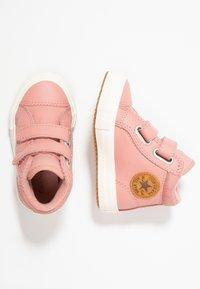 Converse - CHUCK TAYLOR ALL STAR - Lära-gå-skor - rust pink/burnt caramel - 3