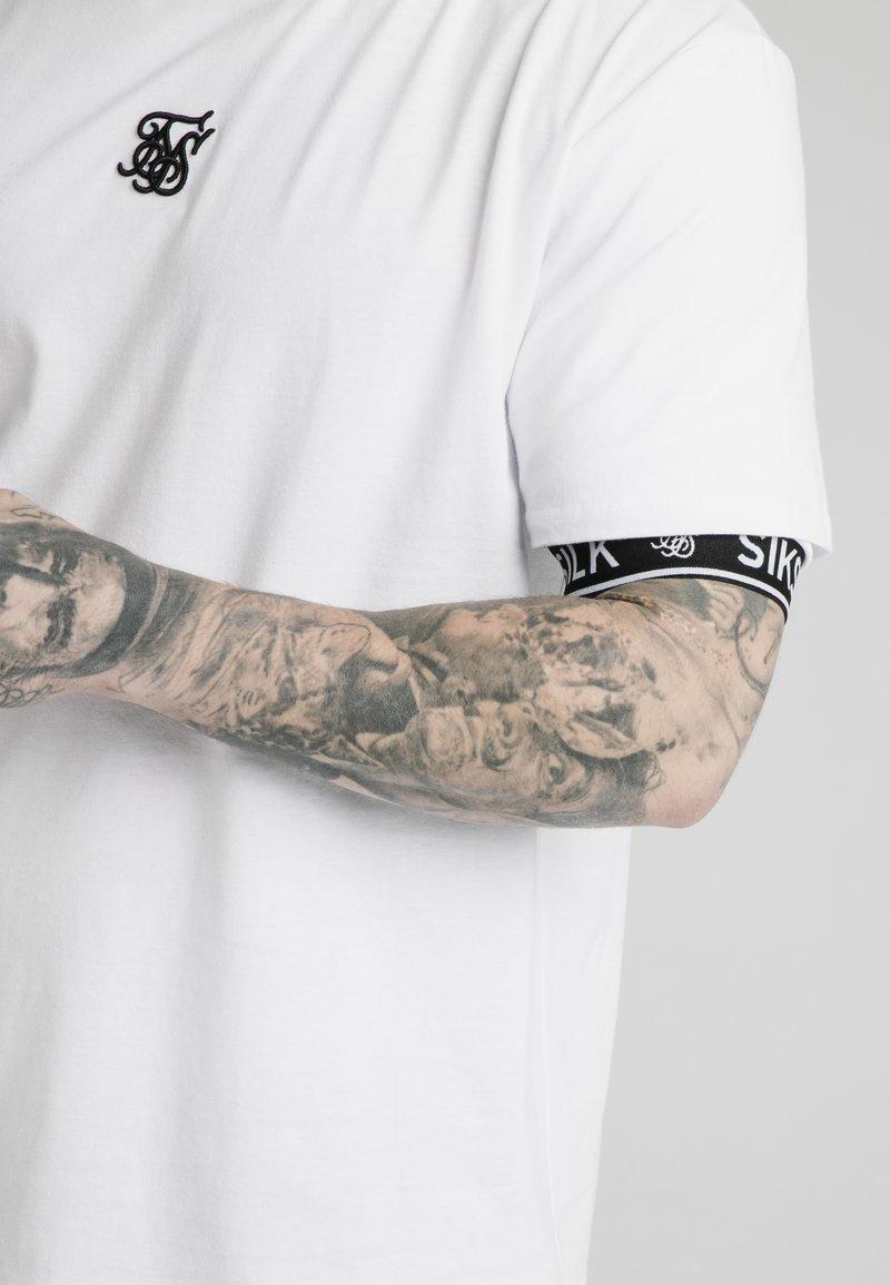 SIKSILK INSET CUFF ESSENTIAL - T-Shirt print - white/weiß LlLML4