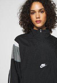 Nike Sportswear - LIGHTWEIGHT JACKET - Lett jakke - black/smoke grey/white/(white) - 3