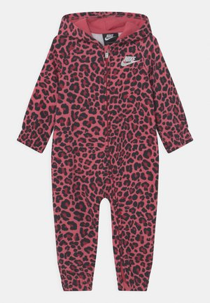 HOODED COVERALL - Jumpsuit - pomegranate