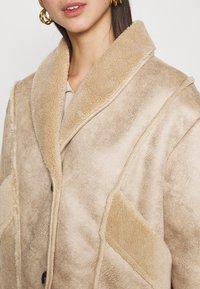 NA-KD - STEPHANIE DURANT SLANTED POCKET - Light jacket - beige - 5