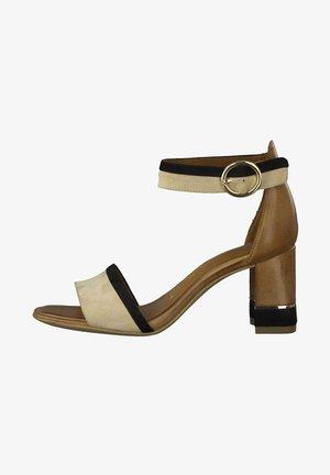 High heeled sandals - cognac comb