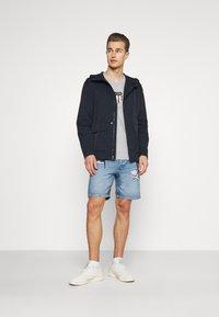 GAP - ZIP FRONT ANORAK - Summer jacket - navy - 1