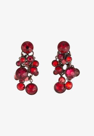 WATERFALLS - Earrings - red/dark rose dark