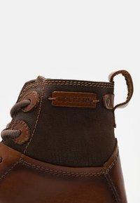 Dockers by Gerli - Šněrovací kotníkové boty - braun - 5