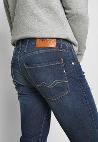 Replay - ANBASS - Slim fit jeans - medium blue - 3