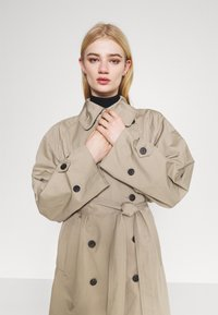 Weekday - TRAVIS  - Trenchcoat - beige - 5