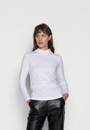 ICONIC MOCK NECK - Long sleeved top - bright white