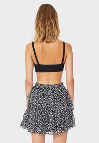 Stradivarius - MIT VOLANTS - A-line skirt - white - 2