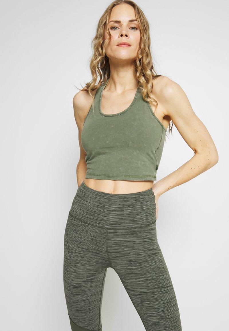 Cotton On Body - WASHED BACK VESTLETTE - Top - khaki