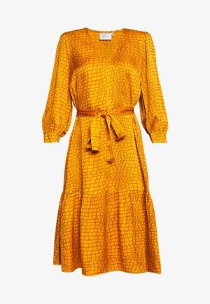 TABBY DRESS - Day dress - golden oak