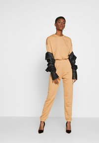 Missguided Tall - EXCLUSIVE SET - Tracksuit - tan - 1