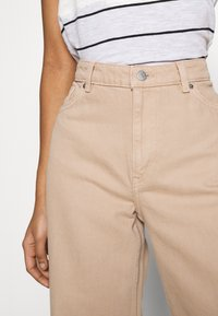 Monki - YOKO - Straight leg jeans - beige medium dusty - 3