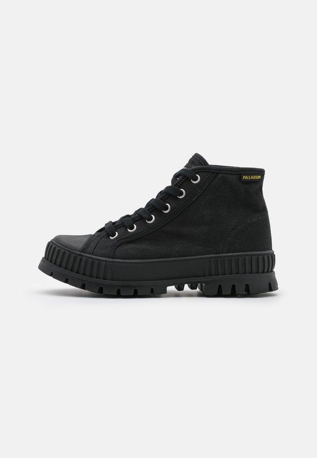 PALLASHOCK MID UNISEX - Sneakers alte - black