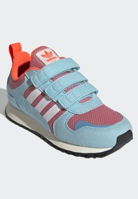 adidas Originals - ZX 700 SHOES - Trainers - pink - 2