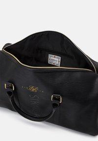 SIKSILK - ELITE HOLDALL - Weekend bag - black - 2
