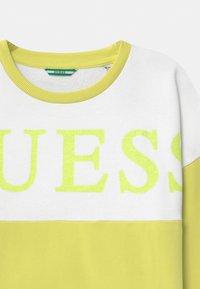 Guess - JUNIOR ACTIVE - Mikina - shiny light green - 2