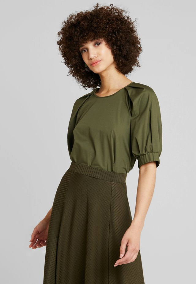 ROUND NECK BLOUSE WITH BALOON SLEEVE - Pusero - olive night
