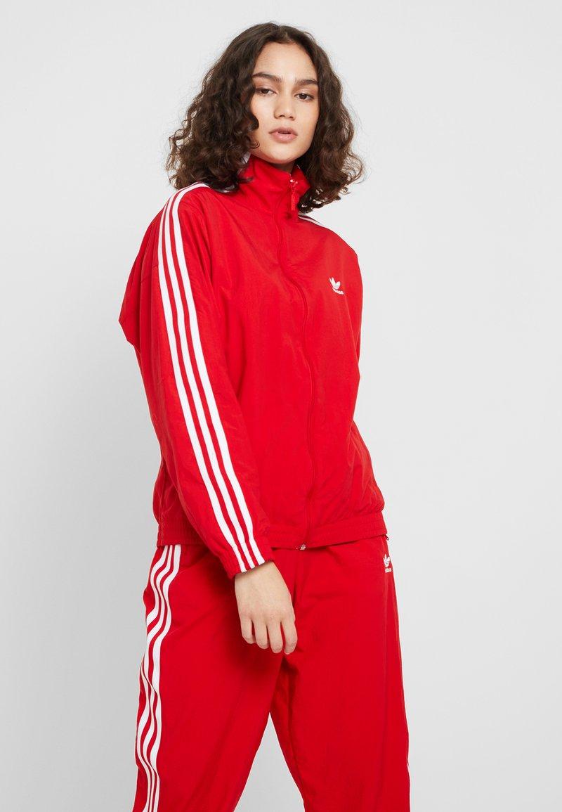 adidas Originals - ADICOLOR SPORT INSPIRED NYLON JACKET - Windjack - scarlet