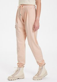 WESTMARK LONDON - Tracksuit bottoms - peachy keen - 3