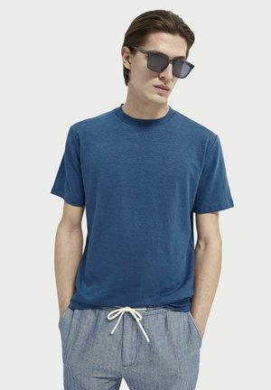 Basic T-shirt - sinister green